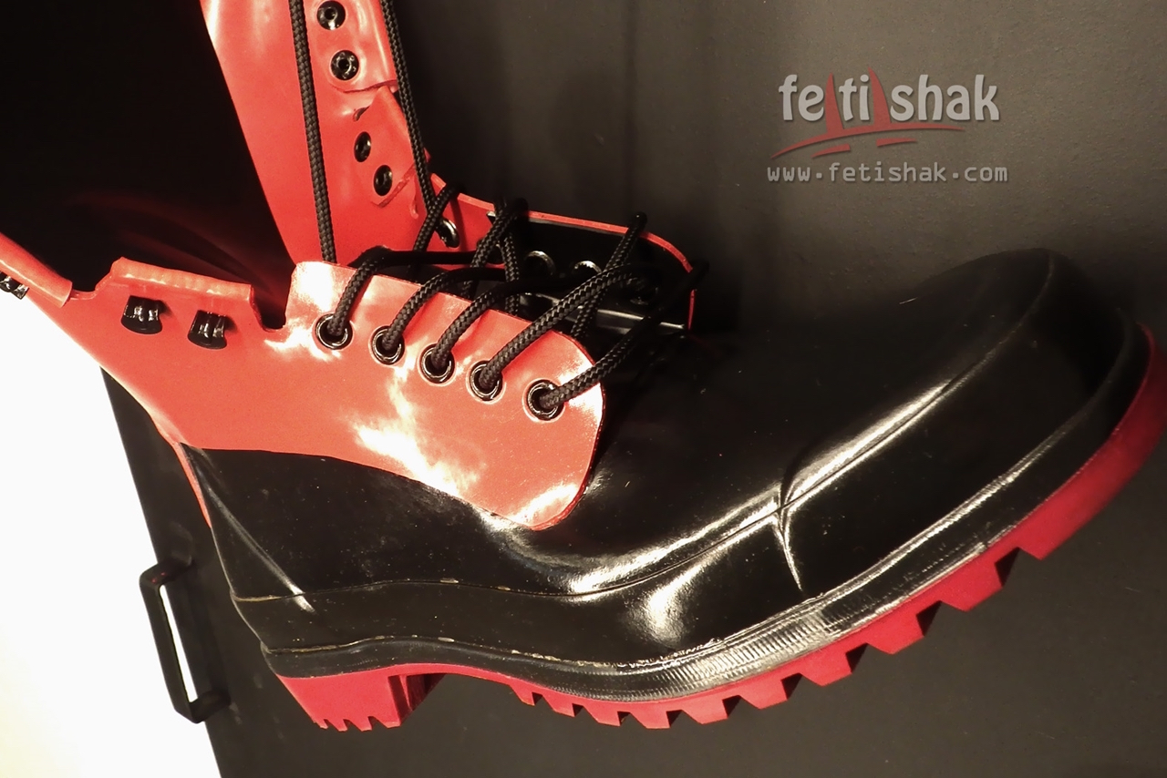 RED SERGEANT RUBBER BOOTS